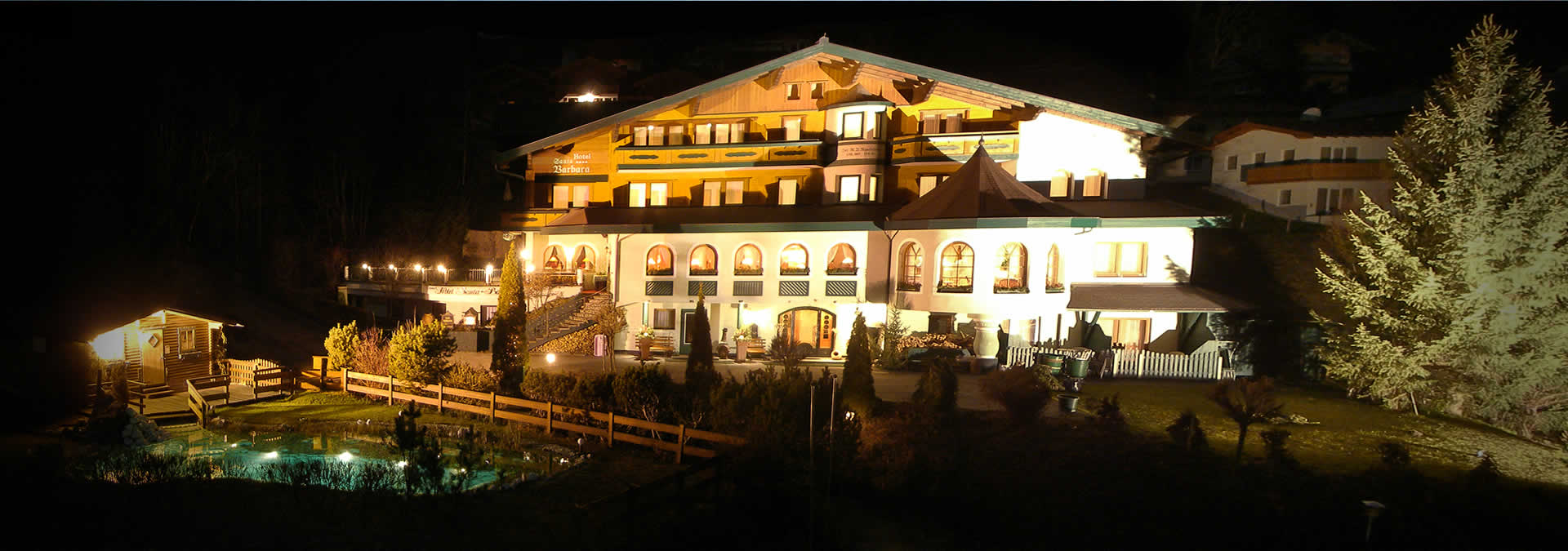 Urlaub in Flachau - Hotel Santa Barbara - direkt an der Piste